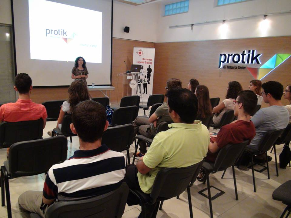 UNDP and Protik Host Business Training for Young Entrepreneurs