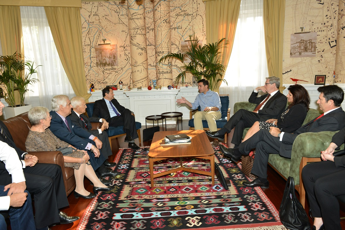 Round table discussion with Municipality of Tirana