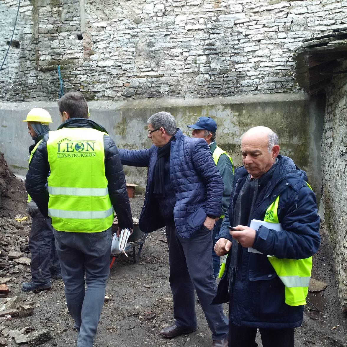 "Meetings on the working progress at ""Qafa e Pazarit"" / TID Gjirokastra"