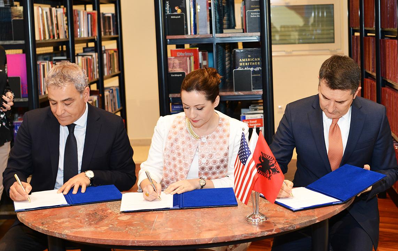 "MoU Signing for ""Master & Internship Program"" Professional Internship Component"
